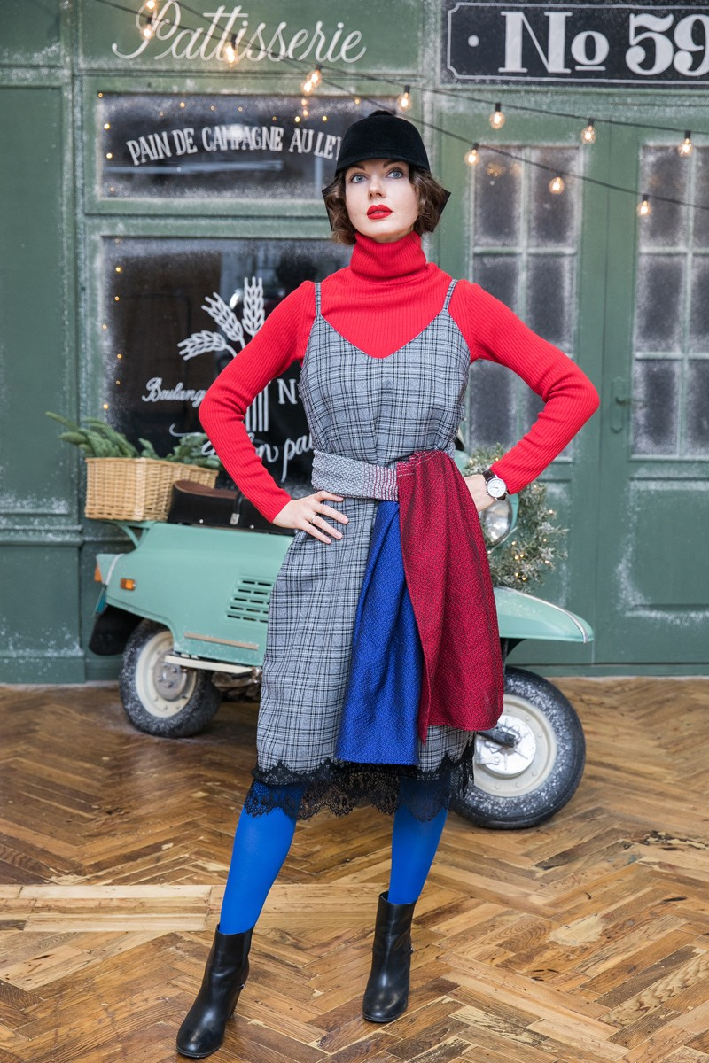 Палантин с градиентом цвета из коллекции Монмартр. Синий – серый – красный.