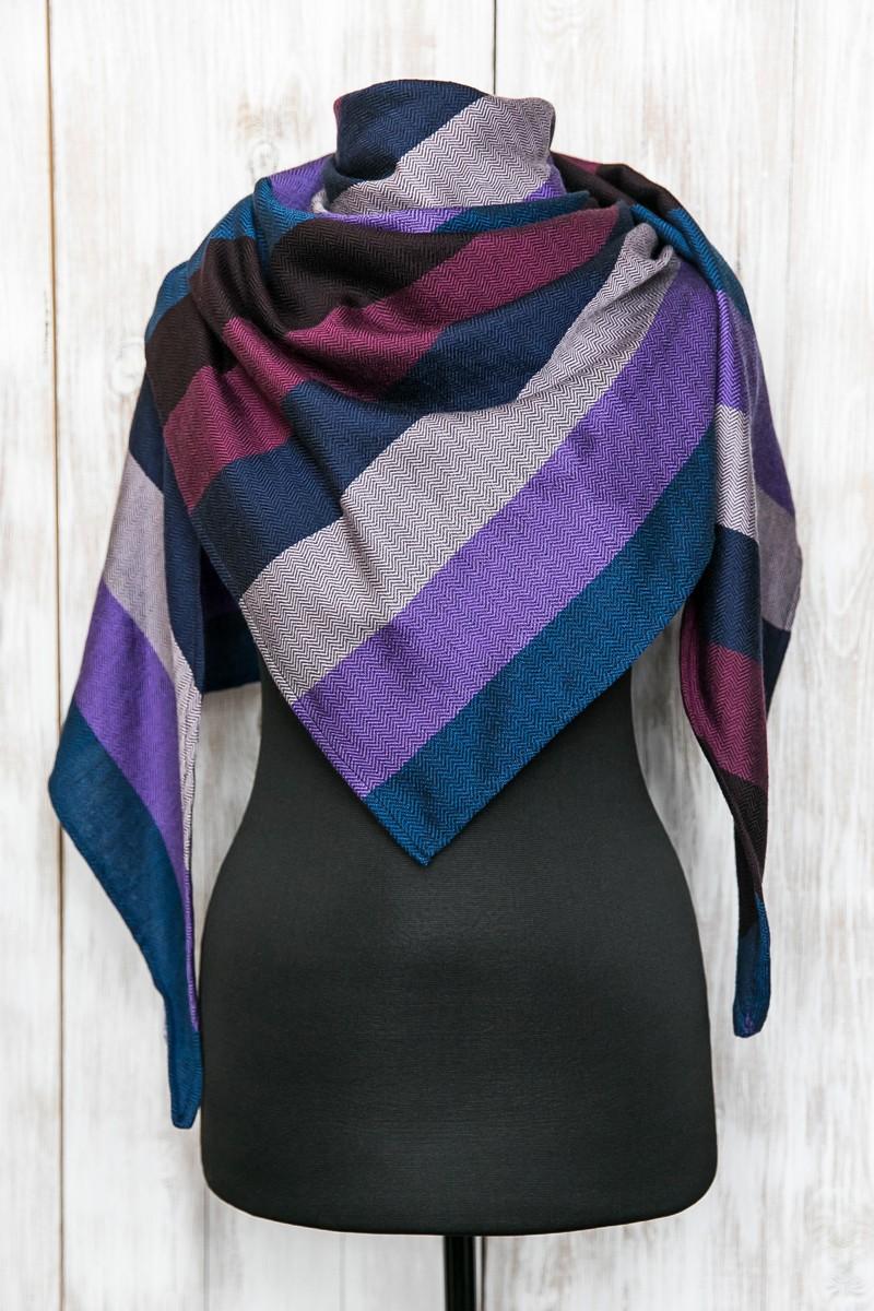 Треугольник в полоску. Фиолетовый + синий.