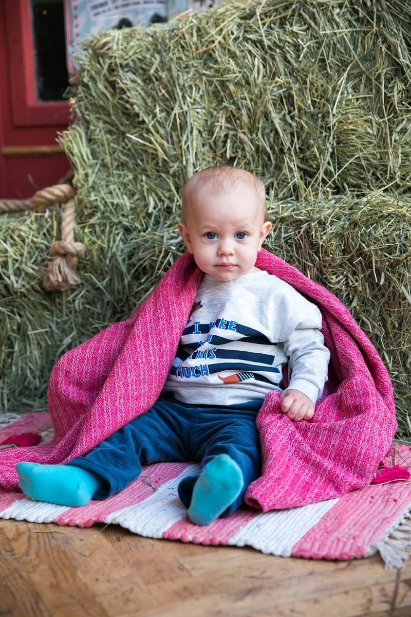 Твидовый детский плед из кашемира и мериноса. Фуксия.