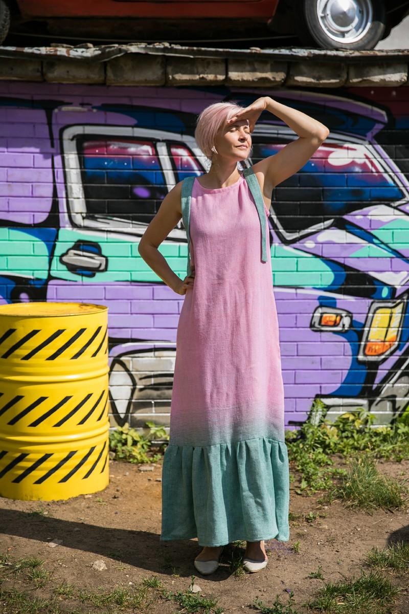 Платье-сарафан с воланом из хлопка и льна. Яркая роза + зелёный.