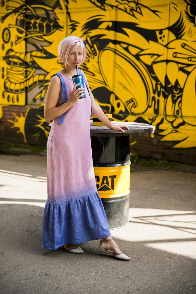 Платье-сарафан с воланом из хлопка и льна. Розовый + синий.