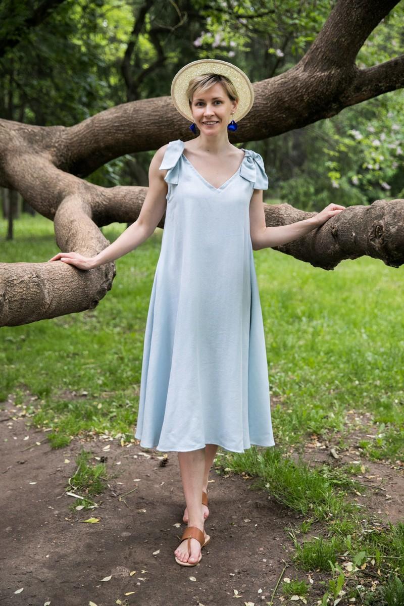 Платье с завязками. Серебристо-голубое